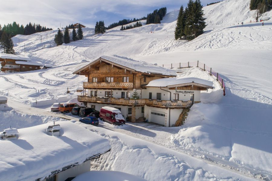 winterulraub-apartments-hinterglemm-skipiste-0048
